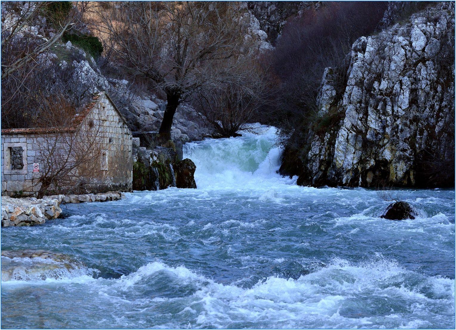36. Izvor rijeke Rude...koja količina lipe i čiste vode, proli se sve u more bez ikakve koristi .....