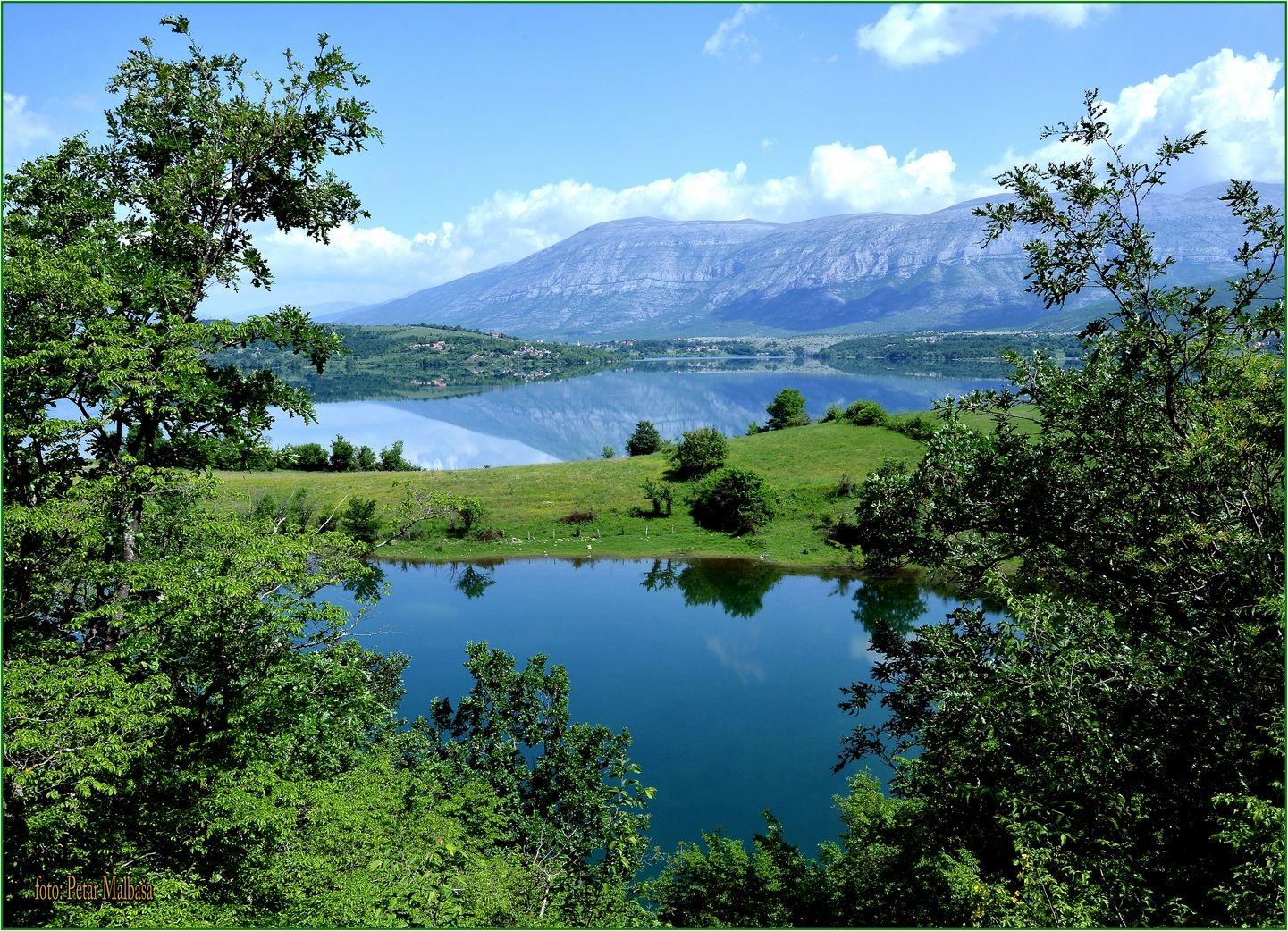 7. ..u pozadini planina Dinara koju je gazio Hrvatski vojnik u Operaciji Oluja kad je oslobađao kraljevski grad Knin 5.kolovoza 1995...