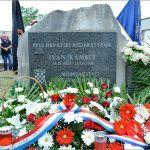 Vijence na spomen obilježja položili su članovi obitelji poginulih branitelja
