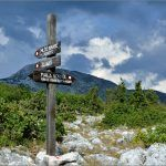 Kamešnica je prekrasna planina za planinarenje osobito u proljeće i jesen