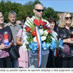 Članovi obitelji su položili vijence na spomen obilježje u čast poginulim redarstvenicima x