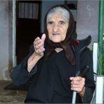 Prva susjeda našeg mile je baba Marija Ćurković godina joj na putu dva rata je upamtila i još je bistra ka Cetina