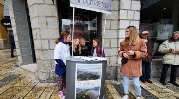 m Peticija na Pijaci