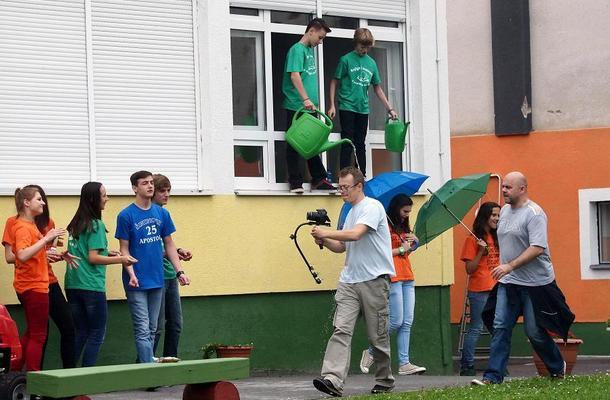 Novska, 03. 06. 2013 Novljasnki osmasi snimili film u jednom kadru