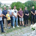 Obilježavanje je počelo polaganjem vijenaca i paljenjem svijeća na mjestu pogibije hrvatskog branitelja Ivana Kambera