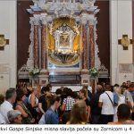 2. U Crkvi Gospe Sinjske misna slavlja počela su Zornicom u 4 sata