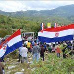 Prema dosadašnjim saznanjima u jamu je ubačeno oko do osoba s područja Cetinskog i Livanjskog kraja