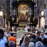 Stephansdom je izgorio za vrijeme Bitke za Beč u travnju tisuću devesto četrdeset pete godine
