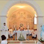 Zato nam Marija i svjedoči u svome hvalospjevu o Bogu kao jedinome koji može učiniti velika djela