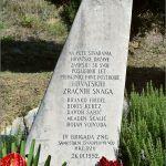 Vijenci su položeni kod spomenika Slomljeno krilo u naselju Šimci