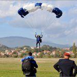 Tino Milanović pod budnim okom Kovačevića kuje svoj skok s zastavom GBR