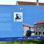 Ovaj natpis nije slučajno postavljen u Podosoju ispred Vukovića kuća