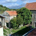 Car Franjo Josip posjetio je Vrliku godine sa svojom svitom odsjeo je upravo u ovom zdanju u kućama Vukovića