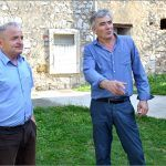 Rođaci Milan i Miljenko Biuk mi kažu Petra naš pok Did je ovo zdanje kupio u Vukovića