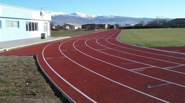 sinj atletska staza