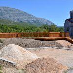 Stotinjak metara iznad vrila Cetine gradi se vidikovac i odmorište