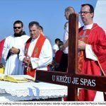 Nakon kratkog odmora započelo je euharistijsko slavlje kojim je predsjedao fra Perica Maslač župnik x