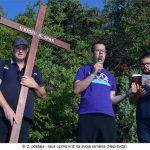 postaja Isus uzima križ na svoja ramena Nepravda x