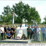 Zajednička fotografija na spomen obilježju u Maljkovu da se NE zaboravi x