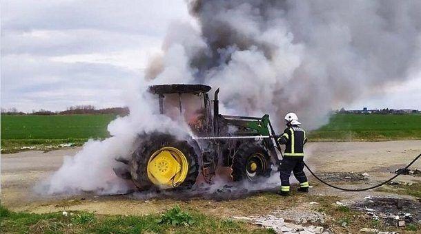 pozar traktora