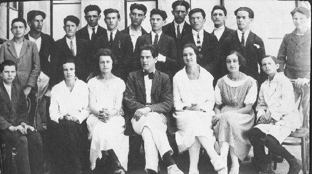 Ucenici gimnazije u Sinju Josip krajnje desno stoji