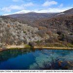 Izvor rijeke Cetine hidrološki spomenik prirode od u pozadini famozni kamenolom Brestovci x