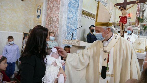 krstenje trilj